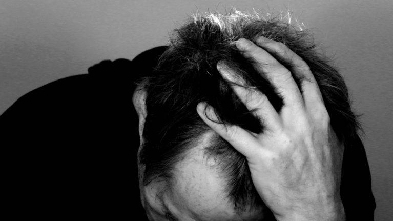 O que acontece quando você mantém suas emoções reprimidas